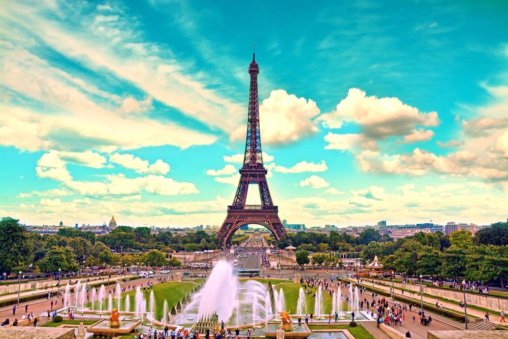 10 Maddede Paris'i Gerçek Bir Turist Gibi Gezme Rehberi